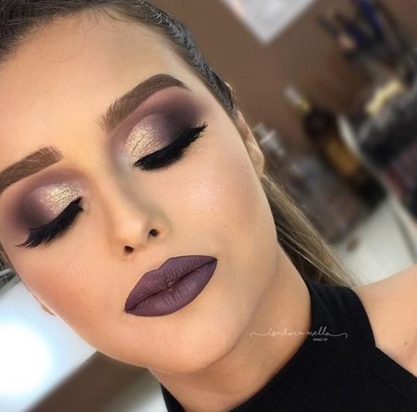 maquiagem de festa batom escuro