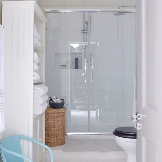 Home Decorations: Country Bathroom Homes Interiors