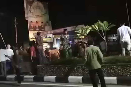 Pleno KPU Lombok Tengah Ricuh, TNI-Polri Berhasil Kendalikan Massa di Praya