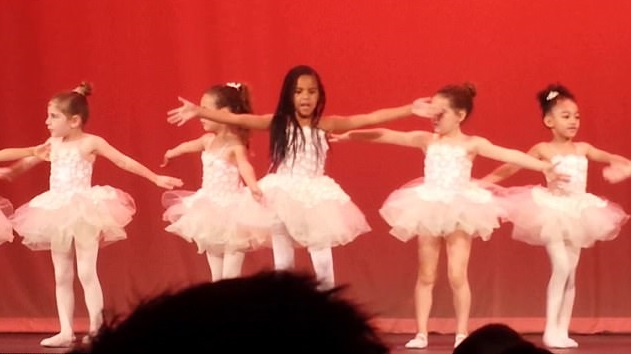 See It: Beyoncé and Jay Z's daughter Blue Ivy dances to Earth, Wind & Fire's 'September'