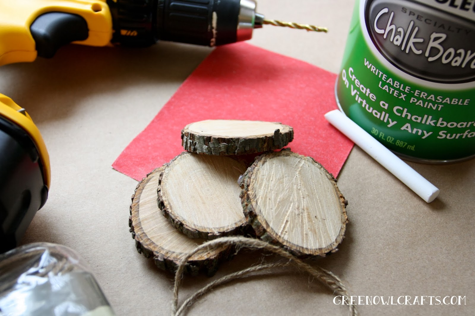 DIY Wood Medallion Chalkboard Christmas Ornament