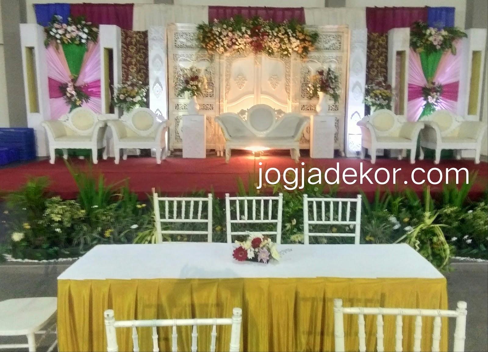 dekorasi pernikahan wedding sederhana