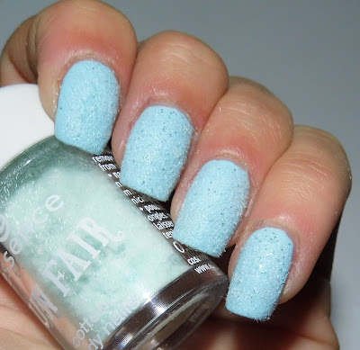 essence-fun-fair-limited-edition-cotton-candy-02-sugar-for-my-honey-swatch