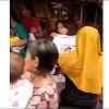 Dapat Kaos Jokowi, Emak-Emak Banjarmasin Malah Doakan Prabowo Menang