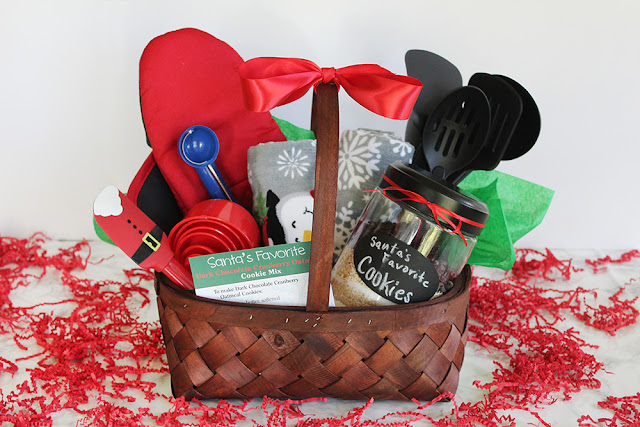 Southern mom loves holiday hostess baking gift basket