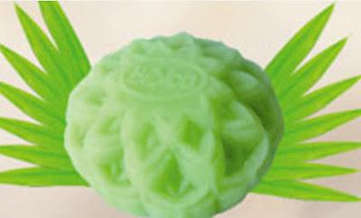 Bánh trung thu Bibica - Dẻo đậu xanh lá dứa 180g