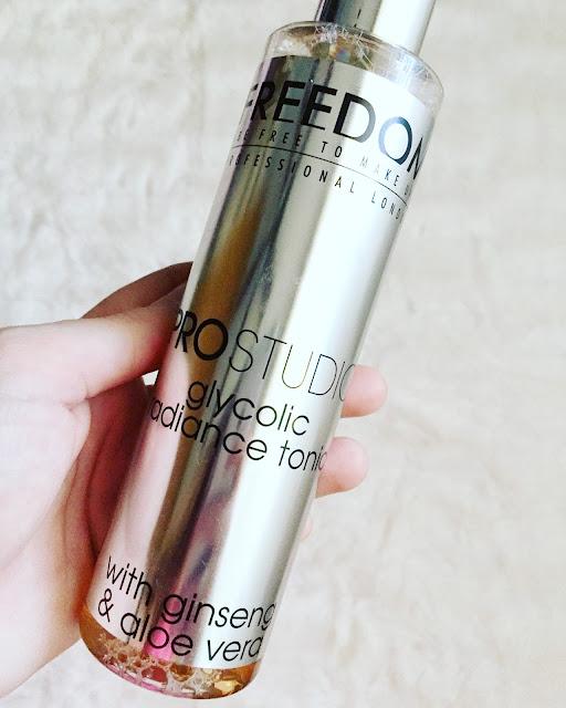 Glycolic radiance tonic de la marca Freedom Pro Studio