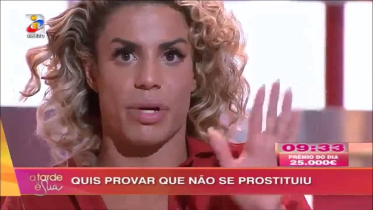 44e8879fb0 Mas depois pensei: não, Carlos Costa por Carlos Costa, prefiro o da Teresa  Guilherme e, se é para saber do pirilau do Tiago, ao léu, voando pelo  espaço, ...