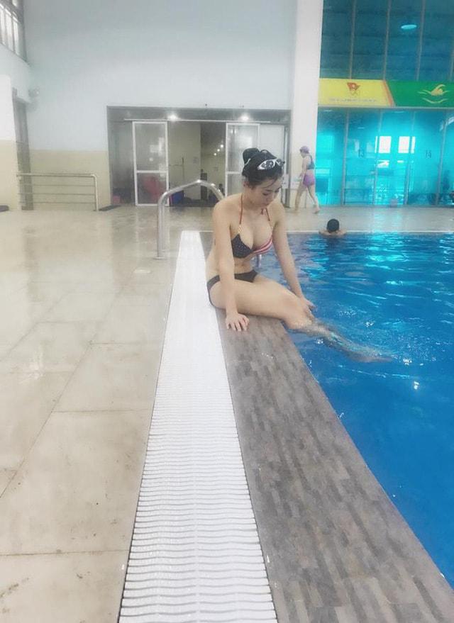 Vẻ bốc lửa Thanh Hương 'Người phán xử' khi mặc bikini khoe ngực đầy - Ảnh 7