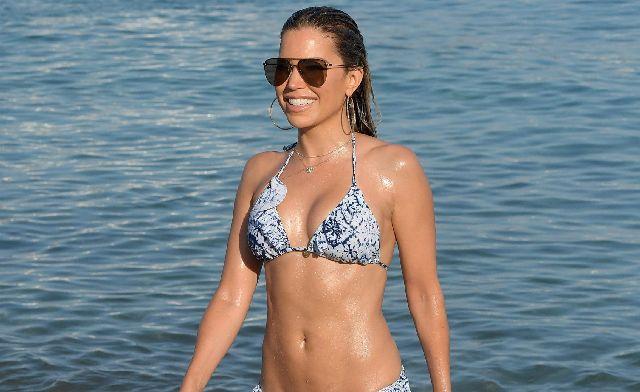 Sylvie Meis - Bikinili Paparazzi Fotolar - Mykonos (6 Temmuz 2018)