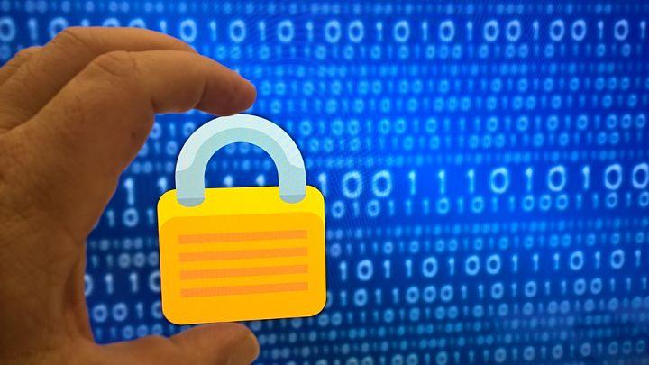 Cómo utilizar una dirección IP falsa y ocultarte en internet