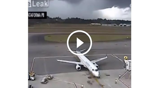 Menegangkan, Video Ini Menayangkan Bagaimana Kondisi Pesawat Saat Tersambar Petir