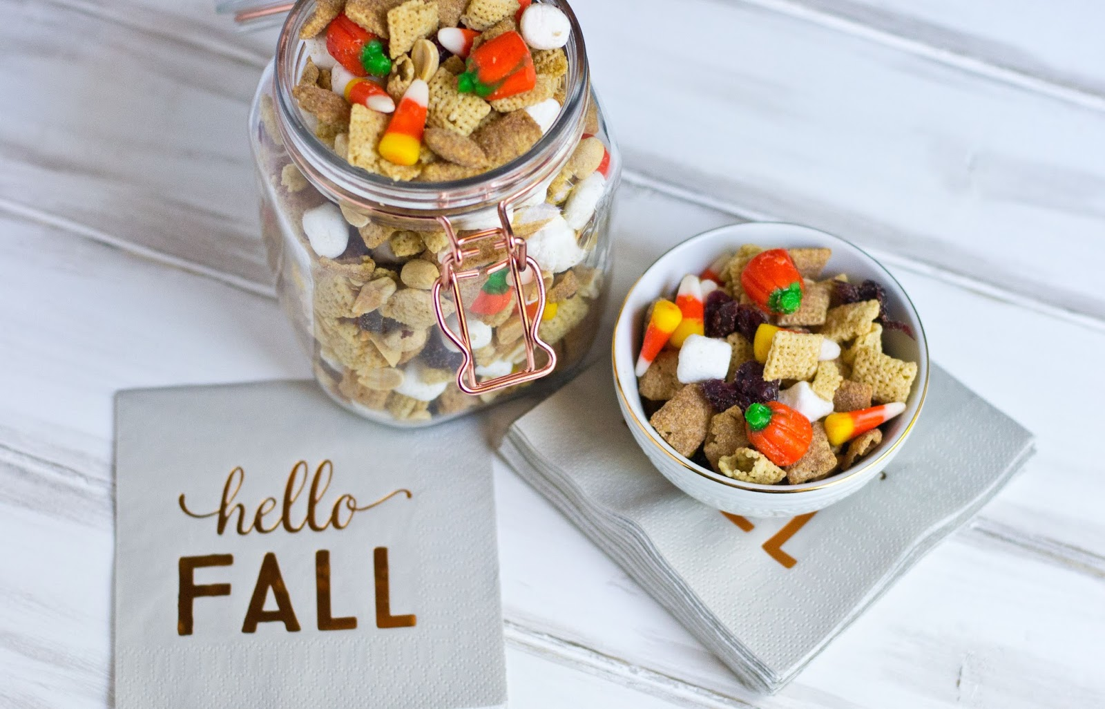 #dairyfree #glutenfree #allergyfriendly #trailmix #fall #halloween