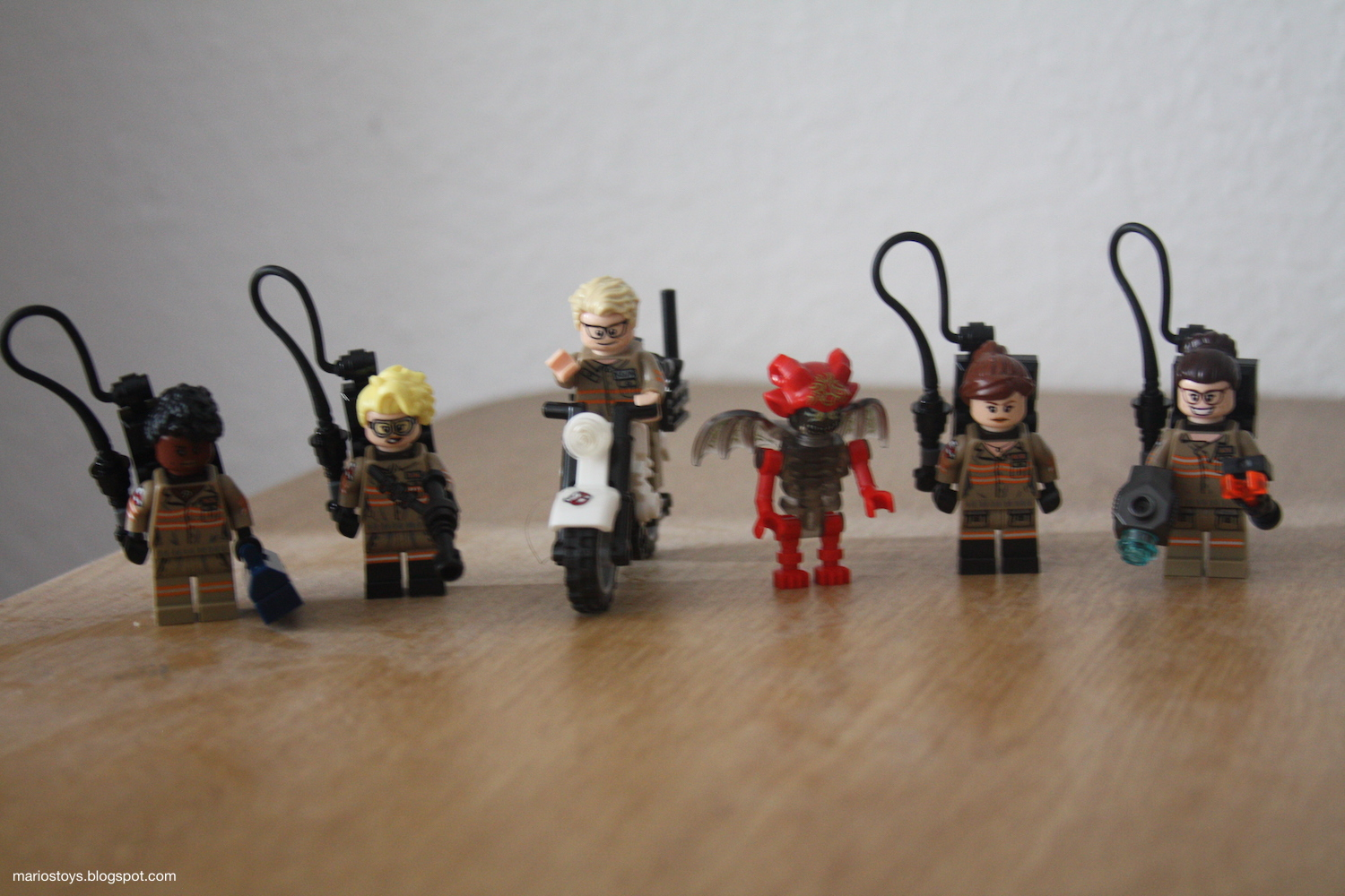 A Year Of Toys 63 Lego Ghostbusters Ecto 1 2 75828 Ampamp The Minifigures Naturally Include All Team As Well Kevin There Is Also Mayhem Ghost That They Fight In Theater Human Characters