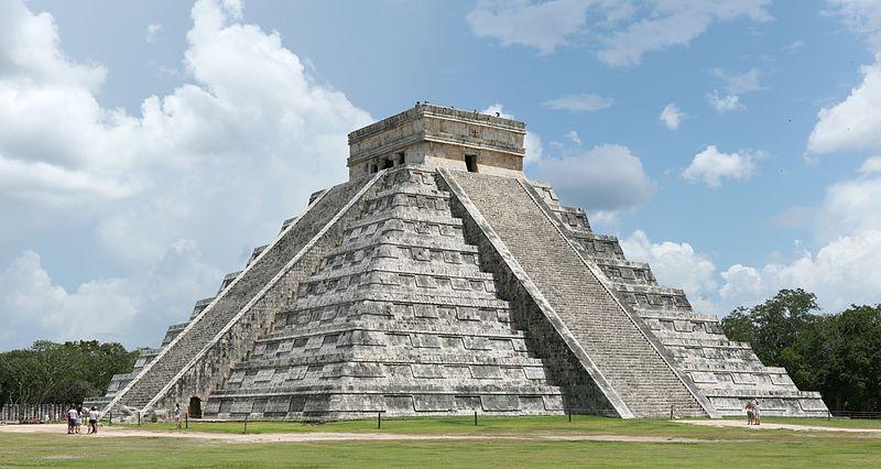 Chichen Itza in Yucatán   Mexico   Ancient Maya Temples / Ruins in the Yucatan