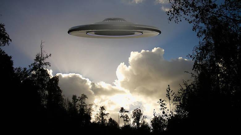 UFO στην Ιρλανδία! Έρευνα των Αρχών έπειτα από αναφορές πιλότων κατα τα αλλα ειναι θεωρίες συνωμοσίας αυτά! (vid)