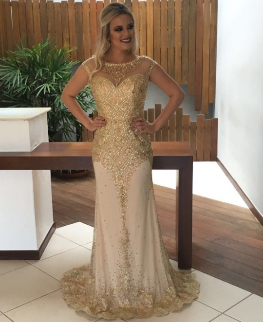vestido de festa dourado