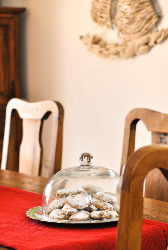 Country chic home in Crete decorated for Christmas ©Eleni Psyllaki for My Paradissi