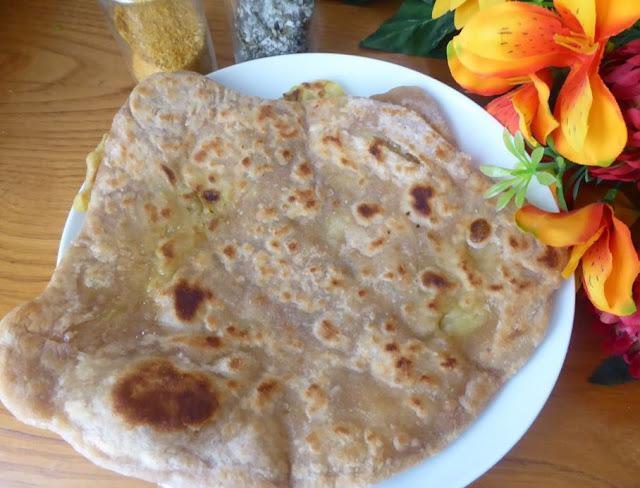 Come preparare l'aloo paratha: il pane con patate