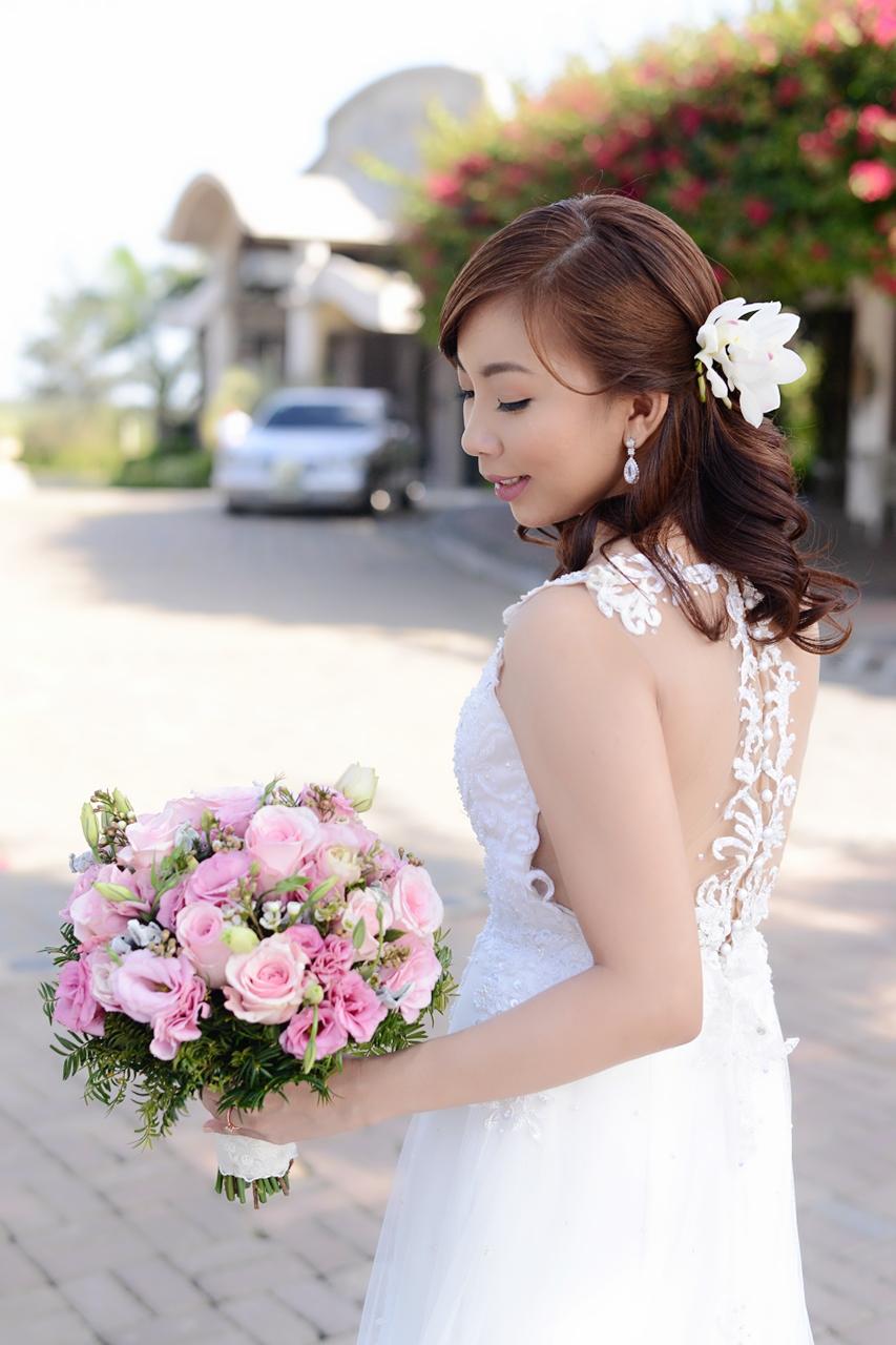 Maj Valencia Top Pinay Beauty Blogger Wedding Alta Veranda St. Benedict