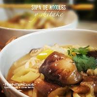Sopa de noodles y shitake