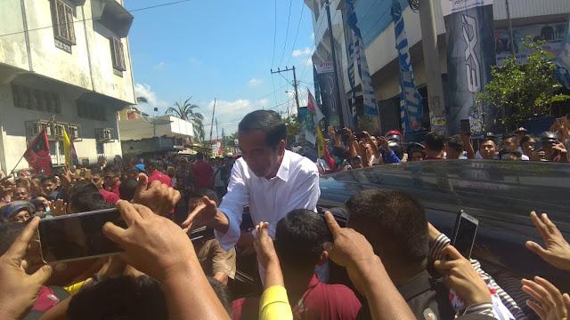 Ribuan Masyarakat Asahan Sambut Jokowi