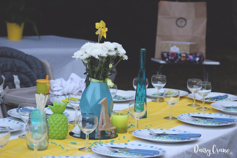 Décoration de table pour le repas d'anniversaire