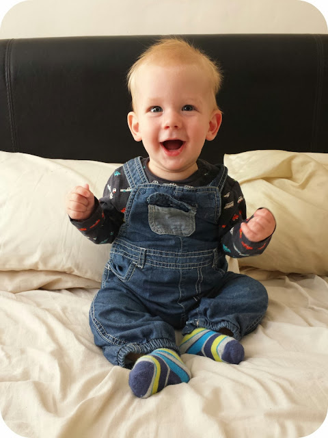 7 month old, 7 months baby boy, baby boy in dungarees, the mummy adventure