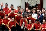 Presiden Jokowi Beri Bonus Uang 200 Juta Pada Timnas U-22