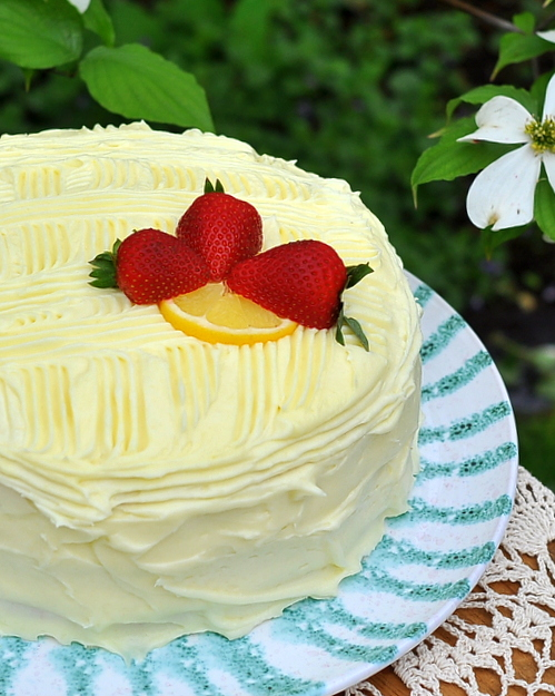 Southern Belle Lemon Layer Cake ♥ KitchenParade.com, an easy lemon layer cake, very lemony with a delicious lemony cream cheese frosting. Easy adaptations for a 9x13 cake, also a strawberry cake, cherry cake, orange cake etc, so many variations!
