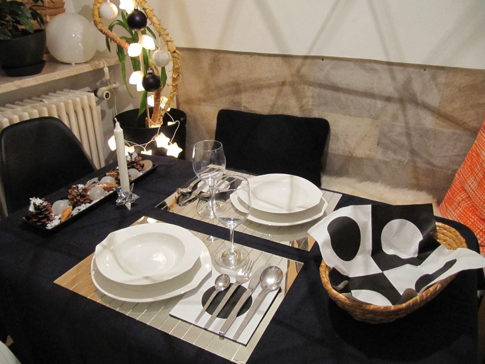my home me with sadiy mein gedeckter tisch f r das. Black Bedroom Furniture Sets. Home Design Ideas