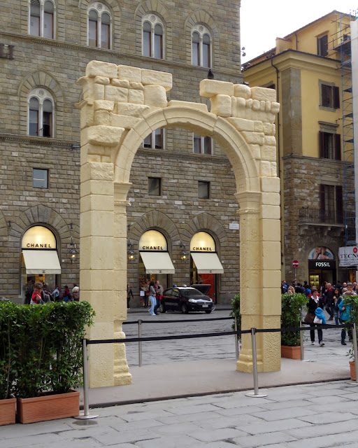 Palmyra's Triumphal Arch (Gate of Palmyra), Piazza della Signoria, Florence