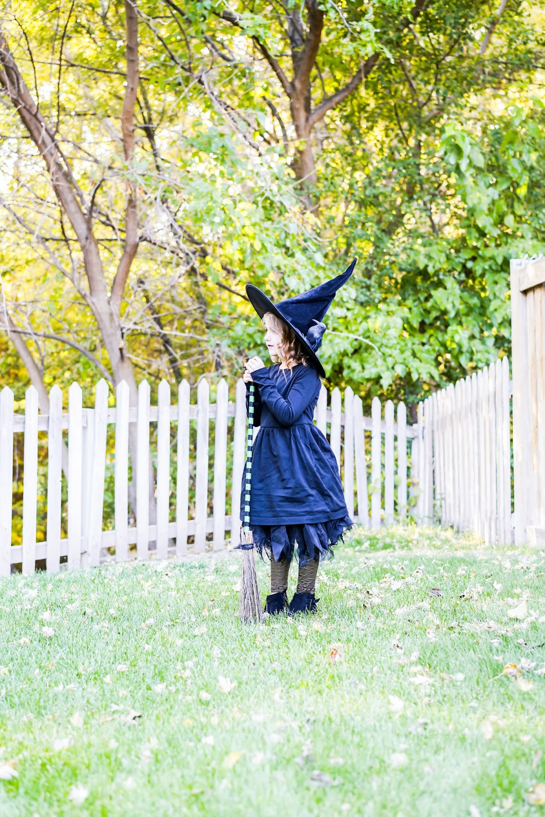 do it yourself divas: DIY No-Sew Witch Costume