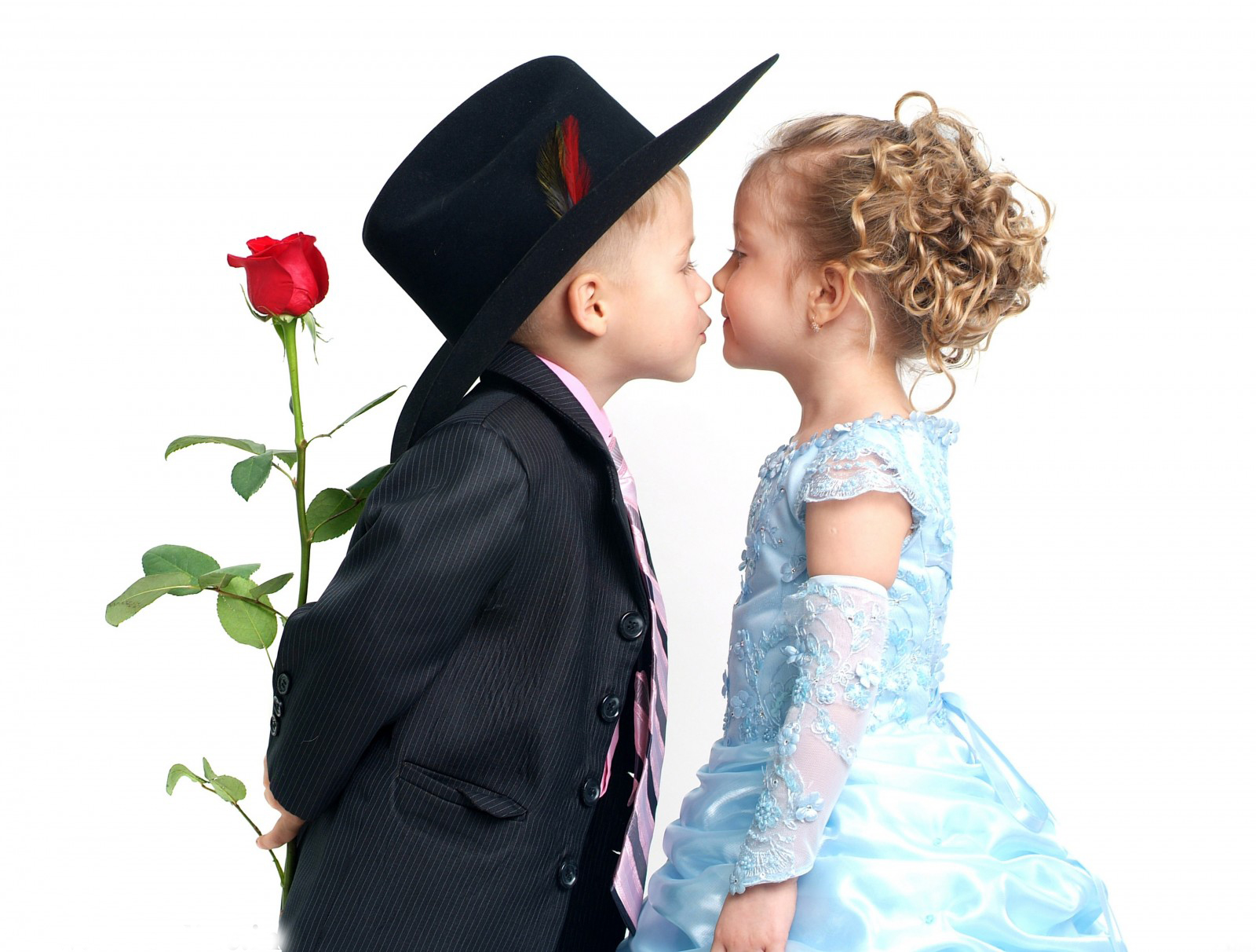 Baby Couple Kissing High Resolution Hd Wallpapers Free -8217