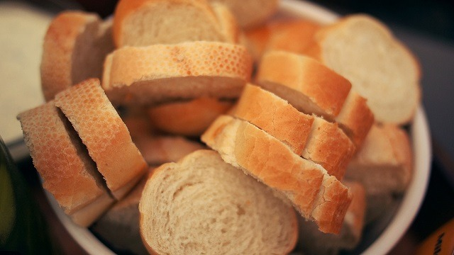 Knowing About The Advantages of Using a Bread Making Machine