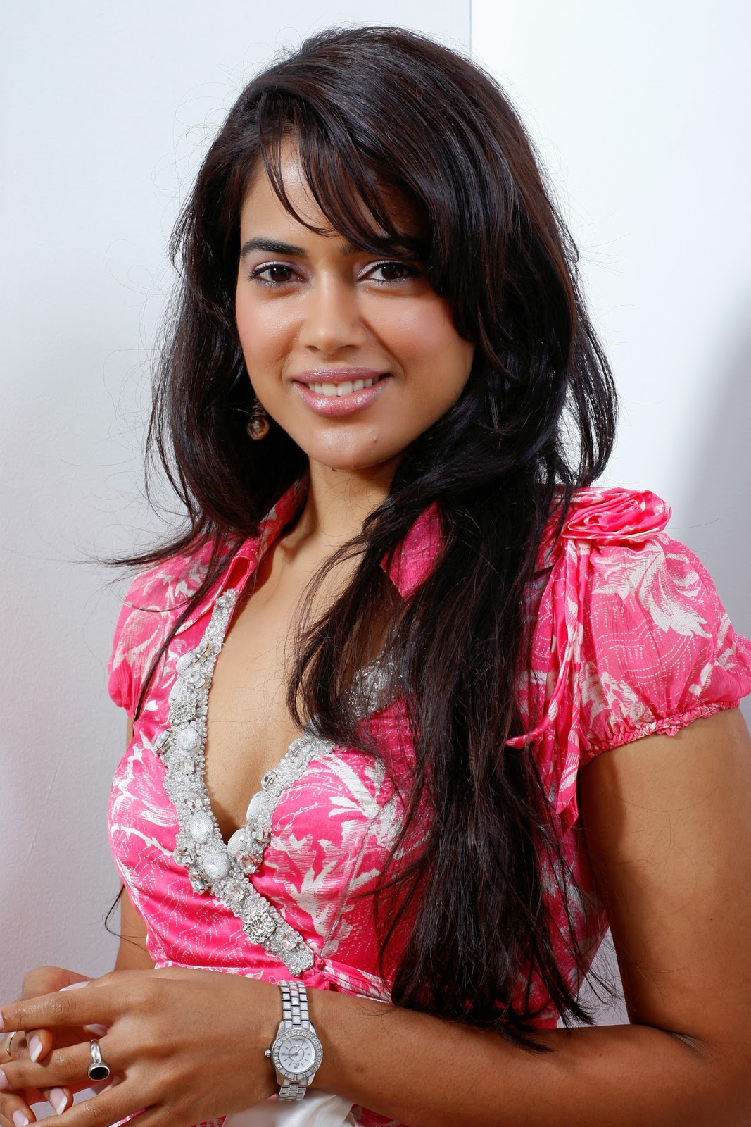 Sameera Reddy Hot HD Wallpapers - HIGH RESOLUTION PICTURES