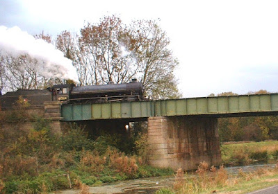 Preserved B1 4-6-0 No. 61264 crossing Cadney Bridge, Brigg, with an enthusiasts' train - see Nigel Fisher's Brigg Blog