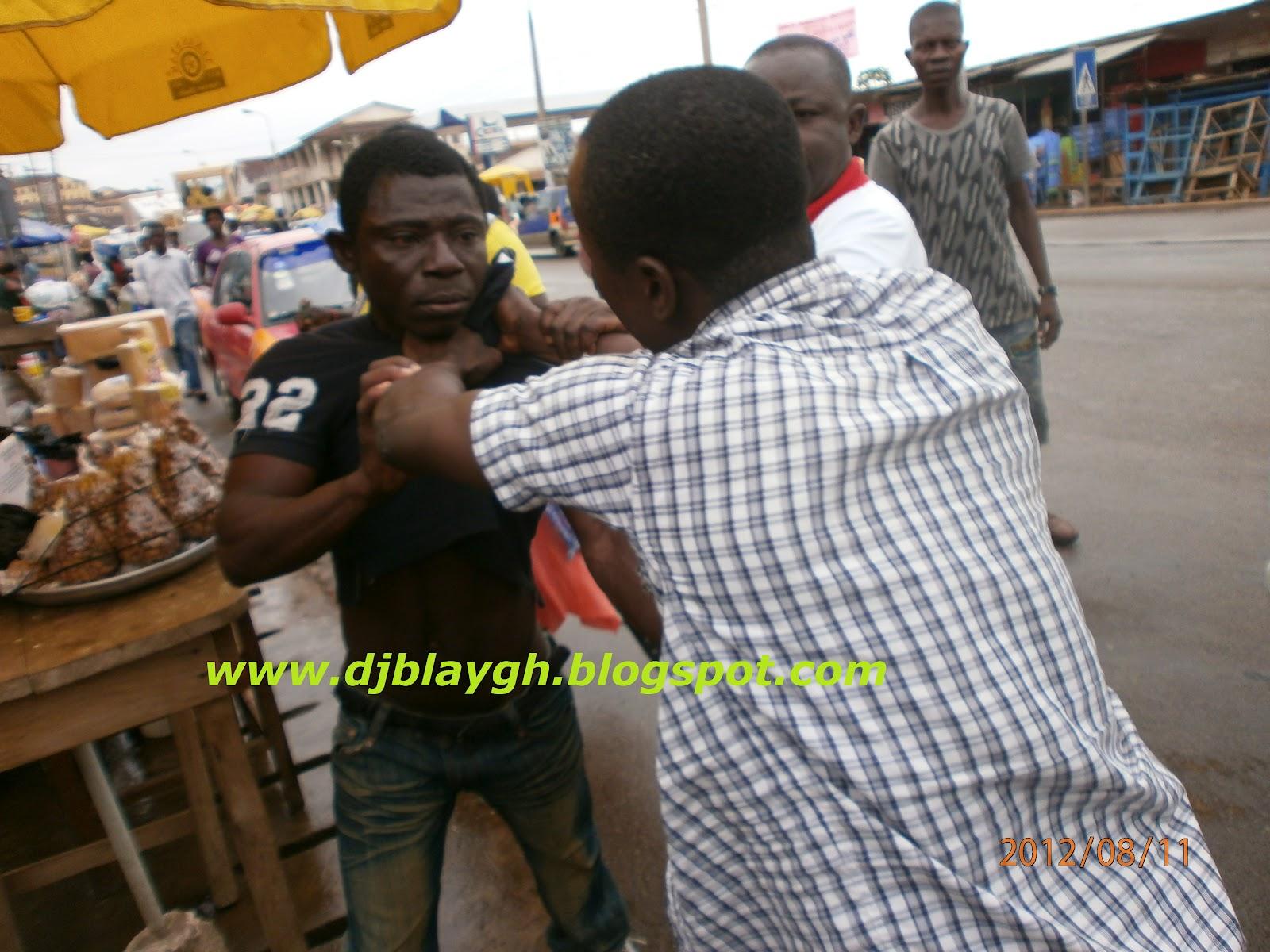 Blay Leak: Photo: Two Drivers Mate Fighting Over 3Ghana