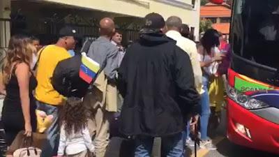Grupo de venezolanos retornan a su país