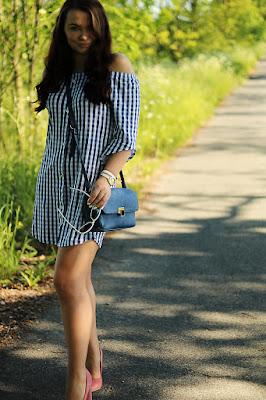 http://www.monikabregula.pl/2017/05/stylizacja-sukienka-w-kratke.html