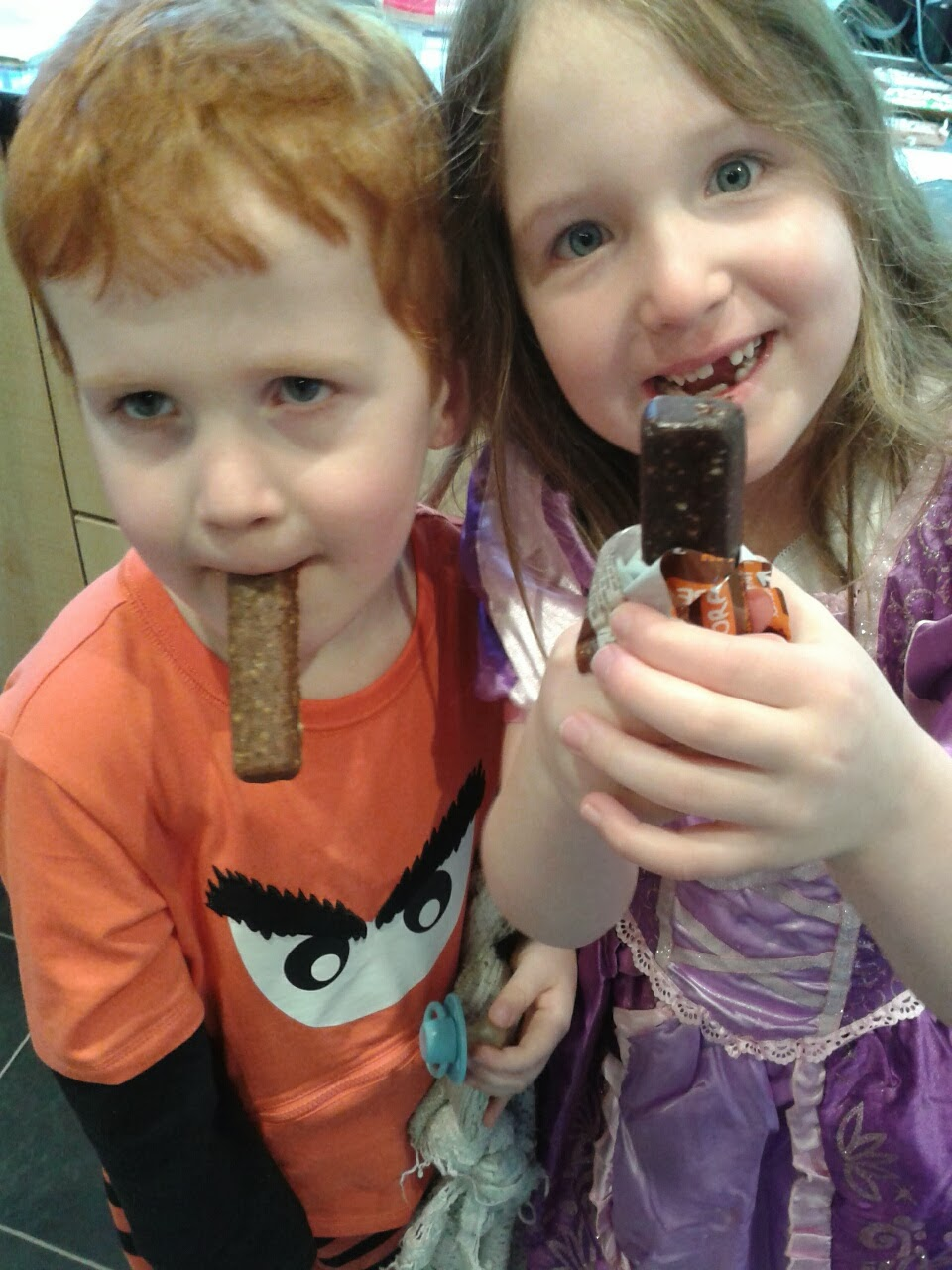 Caitlin and Ieuan testing Nakd snack bars