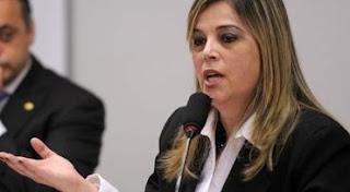 Marisa Lobo é processada por se opor à ideologia de gênero