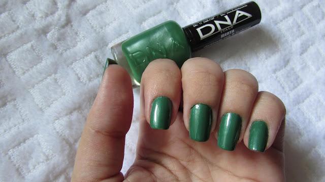 unhas verdes-esmalte DNA