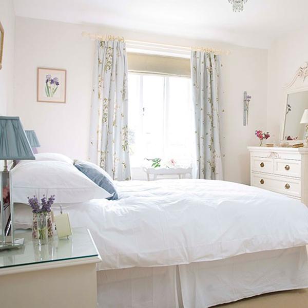 Bright White Shabby Chic Bedroom