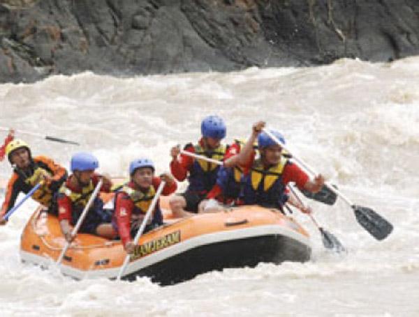 Arung Jeram Sungai Cikandang