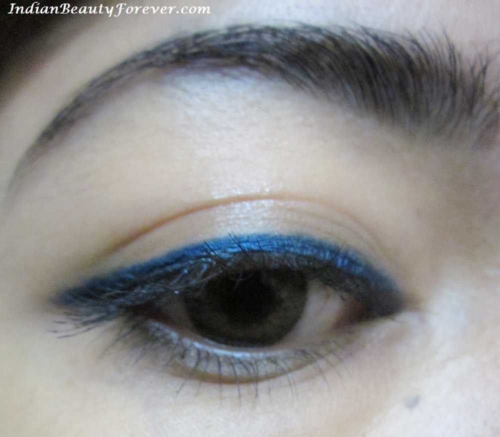 Fashion style How to blue wear eye pencil for girls