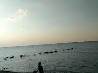 Ramadhan Gresik, Pantai Ngemboh Jadi Jujukan Ngabuburit