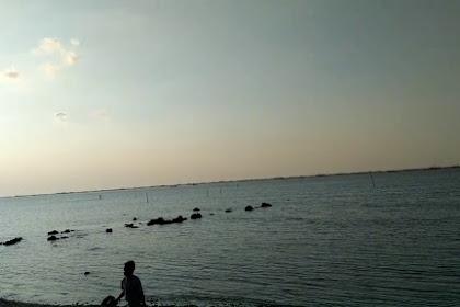 Pantai Ngemboh Gresik, Bisa Menjadi Alternatif Jujukan Ngabuburit Terkini