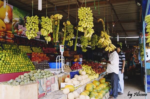 piata-cu-fructe-si-legume-India