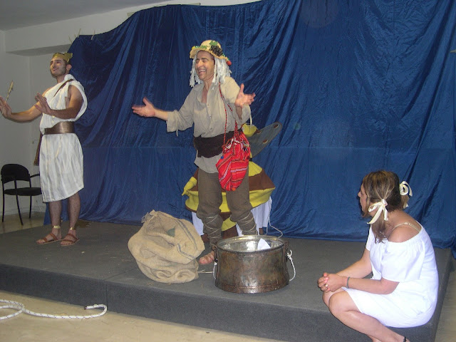 Γέλιο μέχρι δακρύων στην θεατρική παράσταση «Ειρήνη» στα Ποντιακά